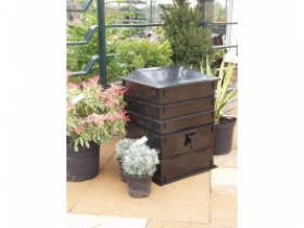 worm works wormery - black base and urn, green trays
